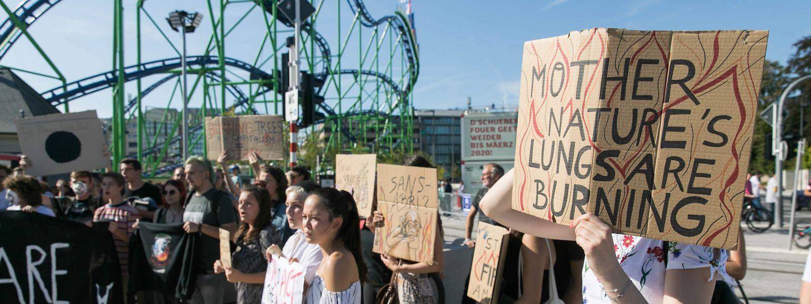 Zuletzt hatten die jungen Aktivisten von Youth for Climate Luxembourg während der offiziellen Einweihung der Schobermesse in Luxemburg-Stadt demonstriert.