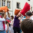 Foto des Tages : Pillowfight - Kissenschlacht gegen Parkinson, photo : Caroline Martin
