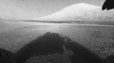 """Der Forschungsroboter """"Curiosity"""" hat im Lauf seines ersten Tages auf dem Mars bereits rund 40 Megabyte Datenmaterial an die Erde gesendet."""