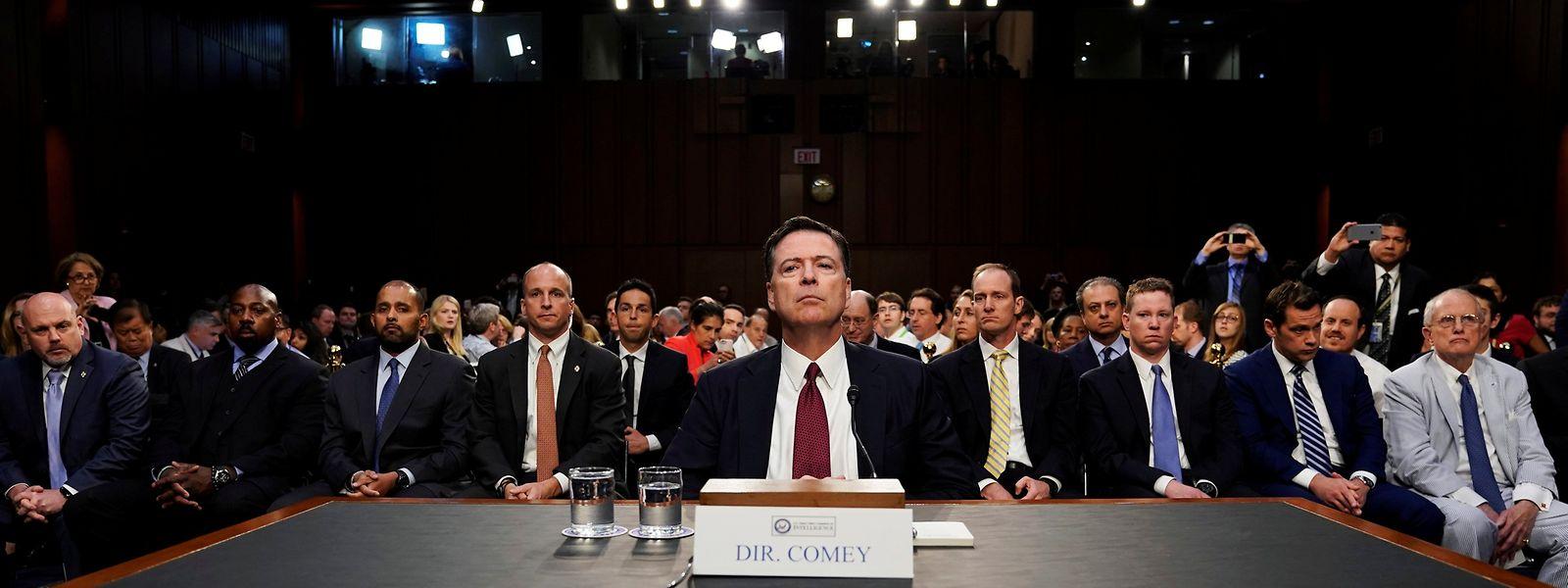 James Comey hat Donald Trump vor dem Ausschuss als Lügner bezeichnet. Trump schießt über seinen Anwalt zurück.