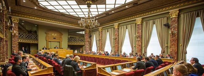 O calendário dos trabalhos parlamentares, o projeto-de-lei sobre o orçamento deve ser votado em dezembro