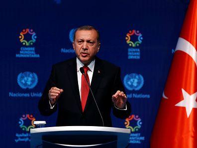 Klare Aussage von Erdogan: Er verlangt eine Visafreiheit für Türken, die in die EU reisen wollen.