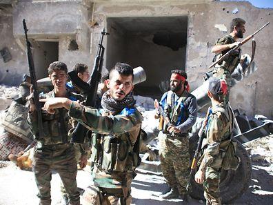 L'ambassadeur français, François Delattre, a comparé la ville syrienne d'Alep à Sarajevo pendant la guerre en Bosnie et Guernica pendant la guerre d'Espagne.