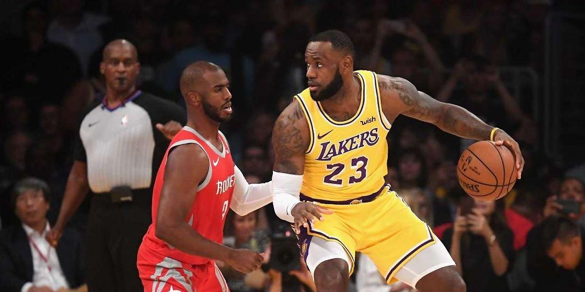 Duel de géants entre Chris Paul et LeBron James. Le dernier mot entre les deux amis reviendra à la star des Rockets.