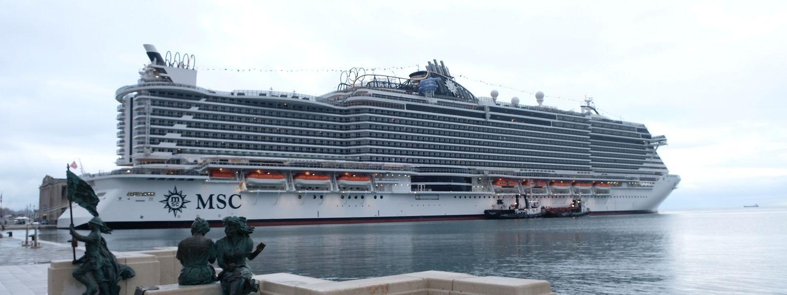 Die MSC Seaside am Donnerstag in Triest. Am Freitag brach das neue Schiff zu einer drei Wochen dauernden Kreuzfahrt nach Miami auf. Dort wird es am 21. Dezember getauft. In den kommenden Jahren wird der Neubau in der Karibik unterwegs sein.