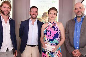 L'acteur Luc Schiltz, le Grand-duc héritier Guillaume et son épouse Stéphanie, le réalisateur Yann Tonnar au Pavillon luxembourgeois à Cannes.