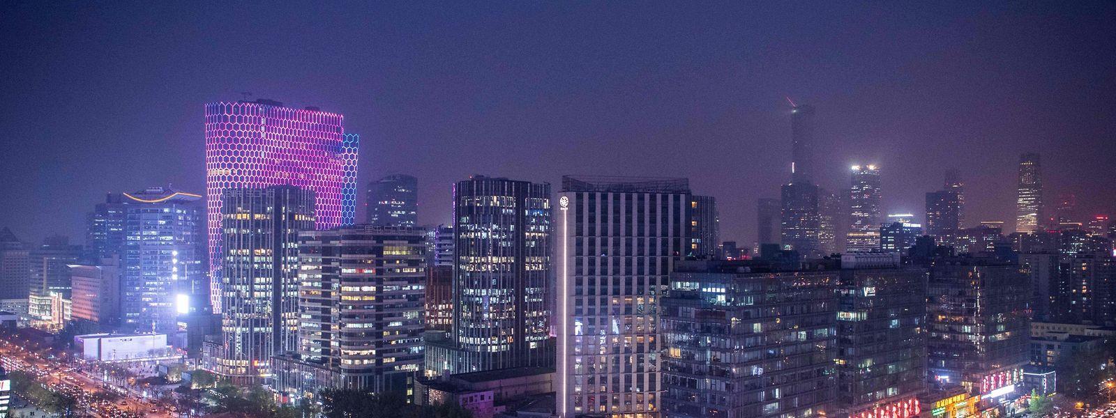 Die Millionenmetropole Peking bei Nacht.