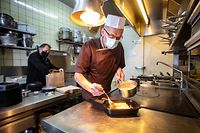 Lokales, Wie Gastronomiebetriebe und Cafés auf die Verlängerung des Lockdowns reagieren, yesterday: Restaurant ROMA, Inhaber Guiseppe Parrino, Foto: Gerry Huberty / Luxemburger Wort