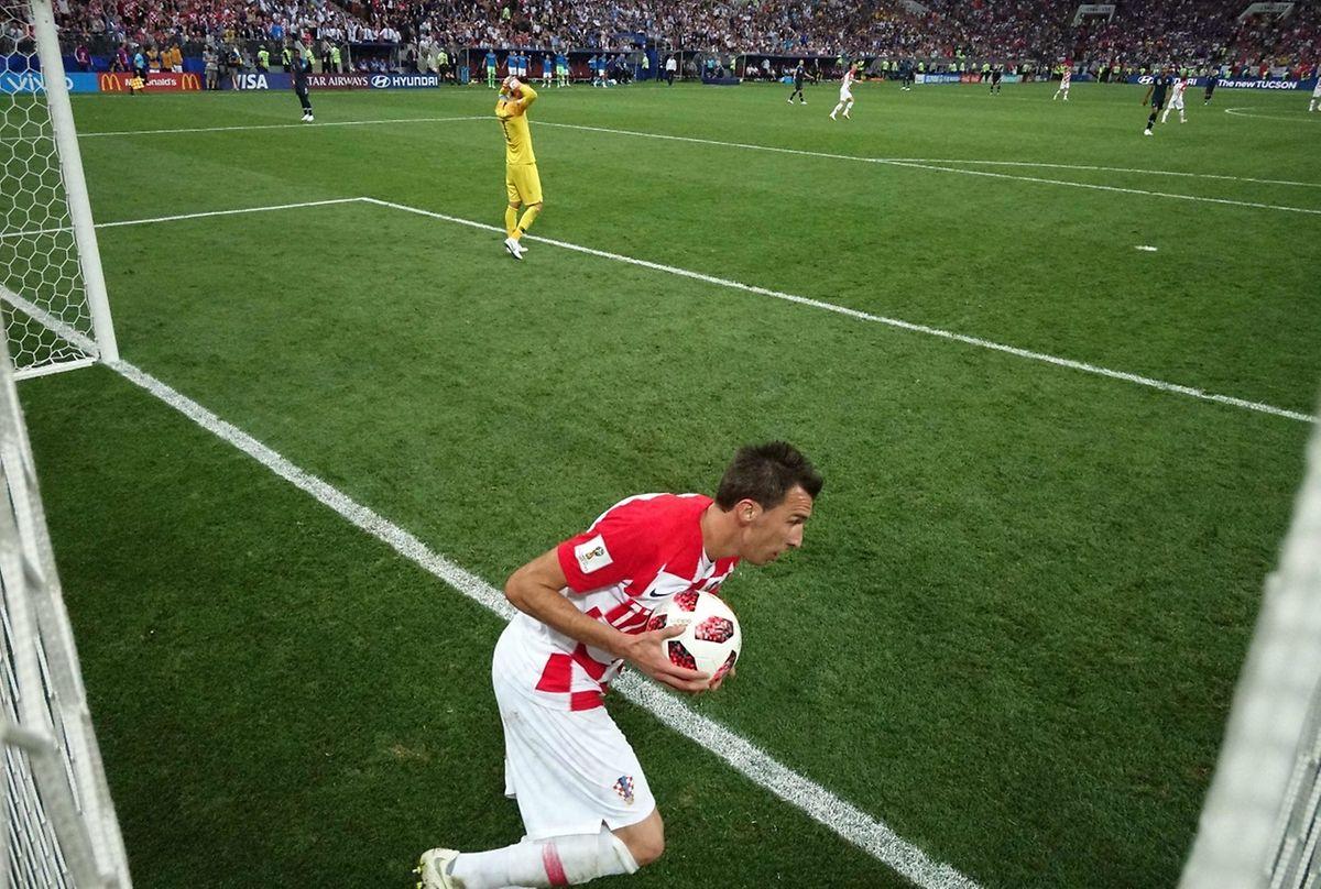 Mario Mandzukic a profité d'une bourde monumentale de Hugo Lloris pour relancer une dernière fois la Croatie. Trop tard...