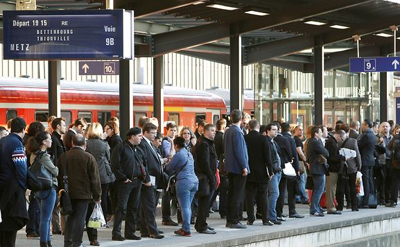Trafic des trains perturbé vers la France — Mardi soir