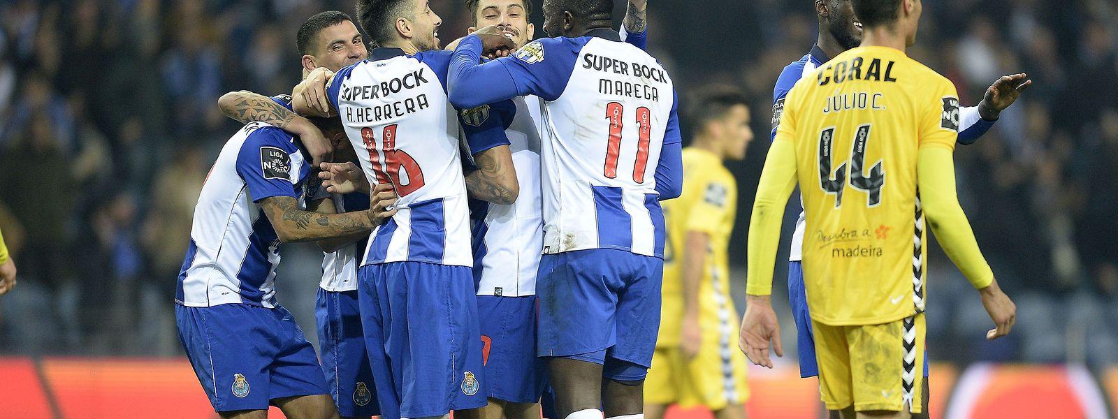 FC Porto  igualou o recorde de 18 vitórias consecutivas em todas provas numa época.
