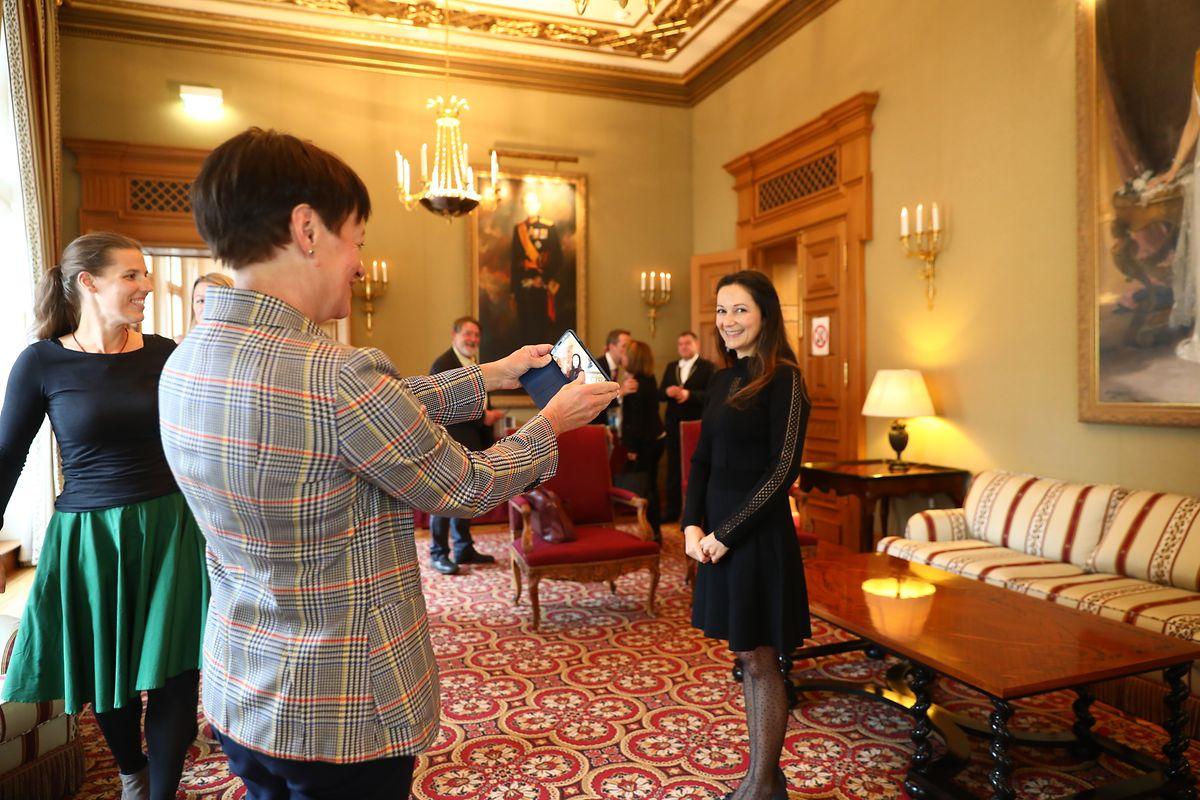 La jeune femme de 38 ans, juste avant son entrée à la Chambre des députés.