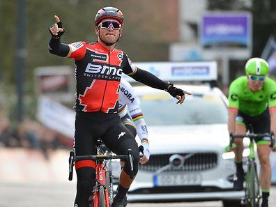 Greg Van Avermaet (B/BMC Racing Team) gewinnt den Omloop Het Nieuwsblad - Foto: Serge Waldbillig