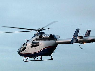 LAR-Hubschrauber beim Start.