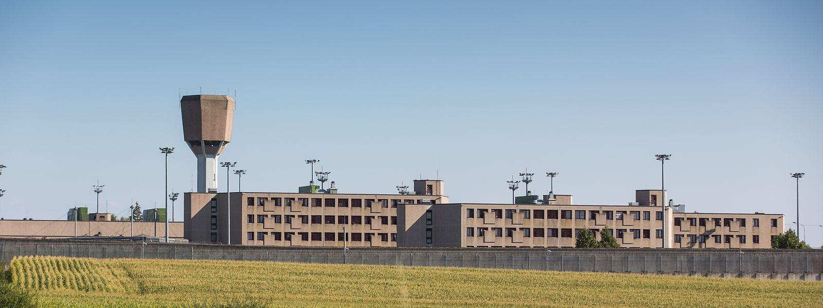 Sollte das Corona-Virus die Mauern der Strafanstalt in Schrassig überwinden, könnten die Folgen unter Umständen verheerend sein.