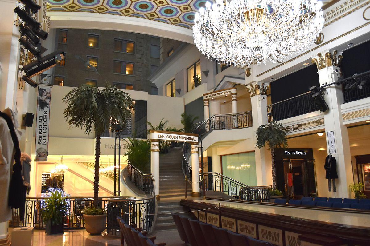 """""""Les Cours Mont Royal"""" - ein höherwertiges Einkaufszentrum in der """"Ville souterraine""""."""