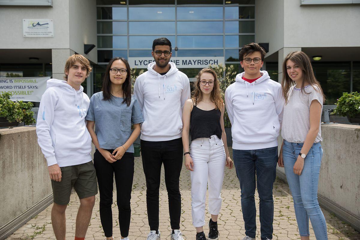 """Team-""""Say it"""" besteht aus: Noé Weber, Chenyan Yang, Sagar Rangram, Estelle Van de Winckel, Mathis Trierweiler und Deborah Kieffer (v.l.n.r.), sowie Tom Schwirtz."""