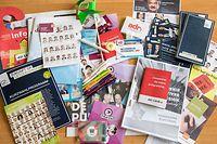 4.9. IPO / Wahlen 2018 / Gadgets und Programme der Parteien , die auf der Braderie verteilt wurden Foto:Guy Jallay