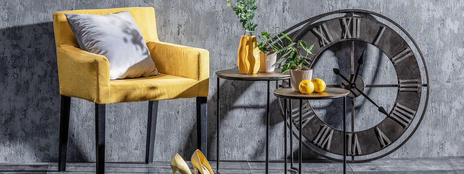 Graue Basis mit gelben Farbakzenten - alle Objekte über www.dekoria.de.