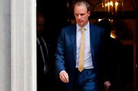 Britain's Foreign Secretary Dominic Raab leaves from 10 Downing Street in central London, after attending the Government's COVID-19 daily briefing on April 7, 2020. - Britain's Foreign Secretary Dominic Raab will take charge of the Government's response to the coronavirus crisis after Britain's Prime Minister Boris Johnson was transferred to intensive care. (Photo by Tolga AKMEN / AFP)
