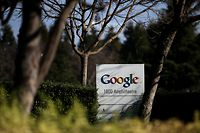 MOUNTAIN VIEW, CA - JANUARY 30: A sign is posted outside of Google headquarters on January 30, 2014 in Mountain View, California. Google reported a 17 percent rise in fourth quarter earnings with profits of $3.38 billion, or $9.90 a share compared to $2.9 billion, or $8.62 per share one year ago.   Justin Sullivan/Getty Images/AFP == FOR NEWSPAPERS, INTERNET, TELCOS & TELEVISION USE ONLY ==