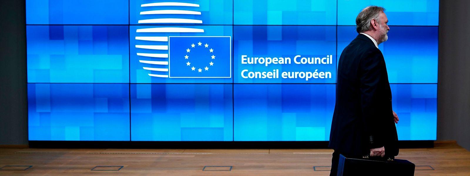 L'histoire est en marche. Tim Barrow, le représentant du Royaume-Uni auprès de l'UE, a présenté ce mercredi matin les derniers documents.