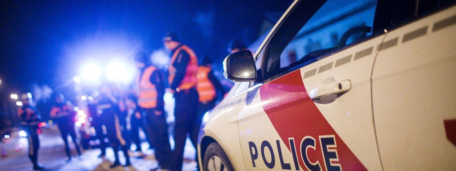 Die Polizisten mussten dreimal eingreifen, nachdem Fahrer zu tief ins Glas geschaut hatten.