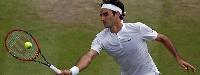 Le Suisse Roger Federer s'est glissé sans l'ombre d'un problème en demi-finale du tournoi de Wimbledon