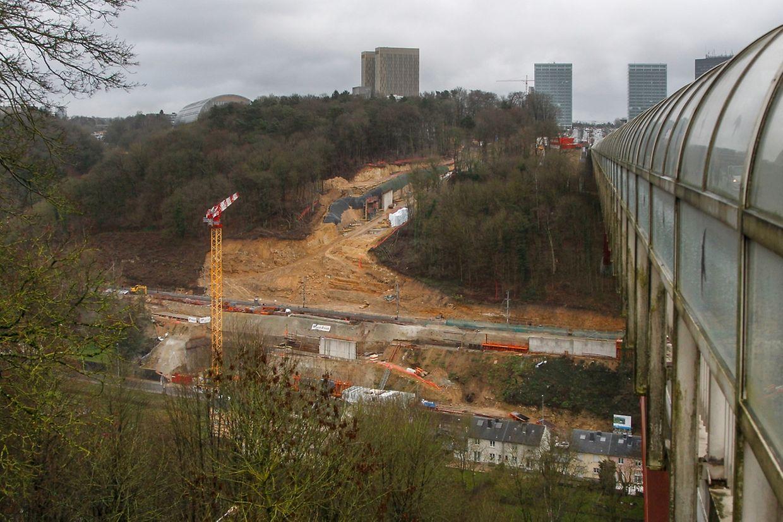 Von der Côte d'Eich aus ist die Großbaustelle zwischen Pfaffenthal und Kirchberg gut zu sehen.