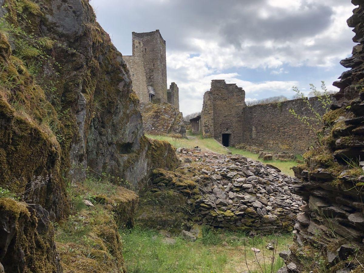 Die Burgruinen können besichtigt werden.