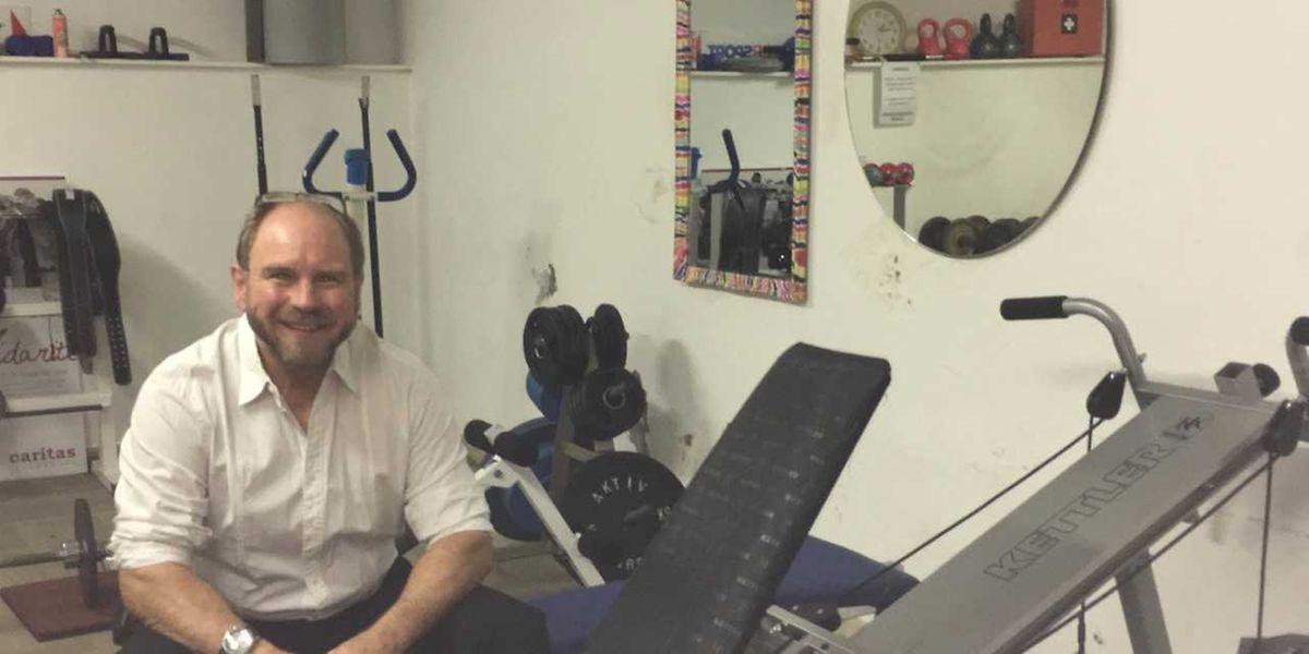Georges Christen entraîne gratuitement et trois fois par semaine les sans-abri qui le souhaitent.