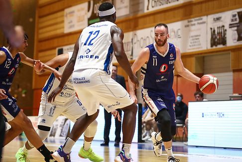 Etzella-Basketballer gewinnen Nervenkrimi