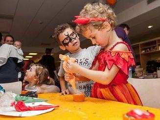 A pensar no Halloween, há decoração de abóboras este fim de semana no centro comercial Topaze, em Mersch