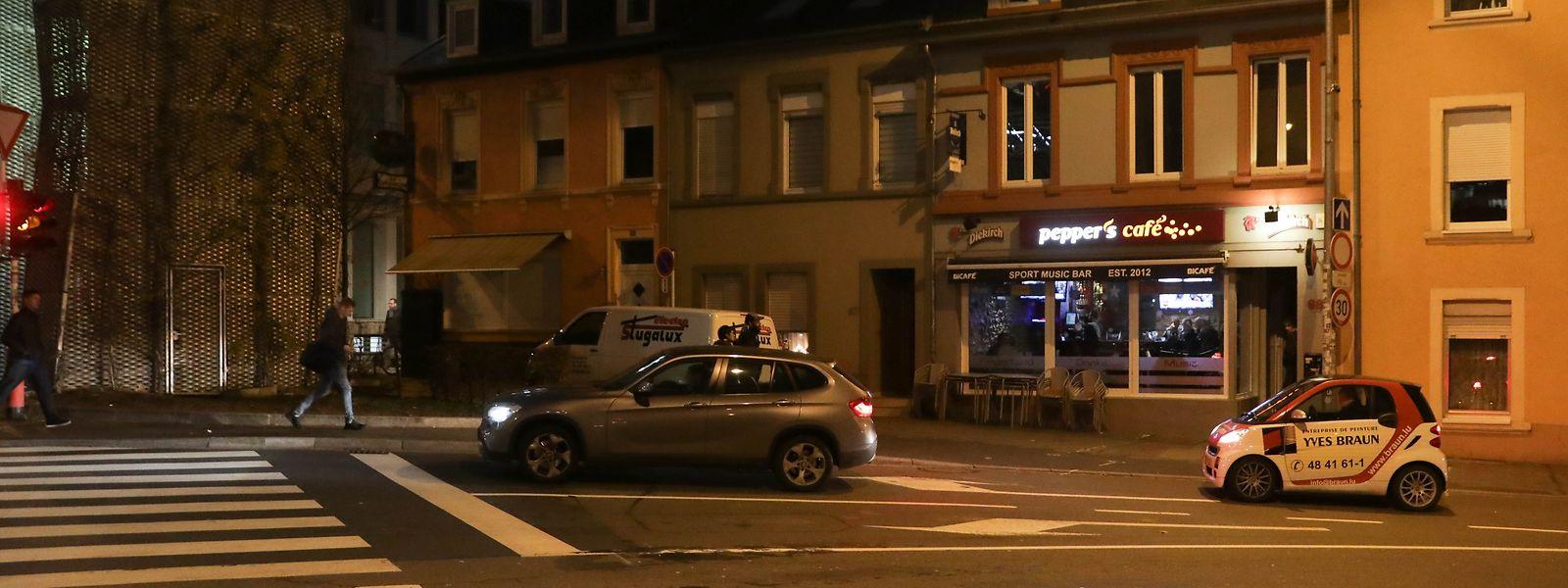 Vor diesem Café in der Rue de Bonnevoie nahm das Geschehen seinen Lauf.