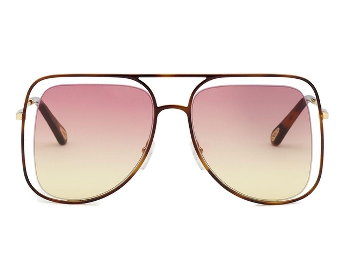 (mij) - Schau mir in die Augen, Kleines! Ob er allerdings Ihre schönen blauen, grünen oder braunen Augen durch diese rötlichen Gläser genau erkennen kann, bezweifeln wir. Aber zum Glück kann man dieses Schmuckstück auch ganz schnell abnehmen, wenn es die Situation erfordert. Sonnenbrille von Chloé, um 310 Euro.