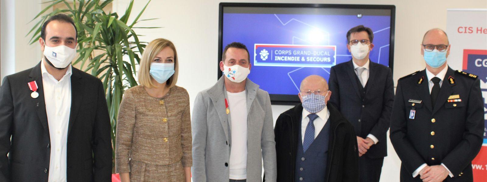 Von links nach rechts: Ahmed Alabdulmohsen, Taina Bofferding, Armand Trausch, Grégoire Trausch, Alain Becker vom Innenministerium und Paul Schroeder, Generaldirektor des CGDIS.