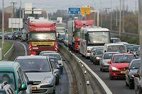 01.12.06 travaux sur autoroute A4, Esch/alzette entre Lankhelz et distributeur Lallange,  photo: Marc Wilwert