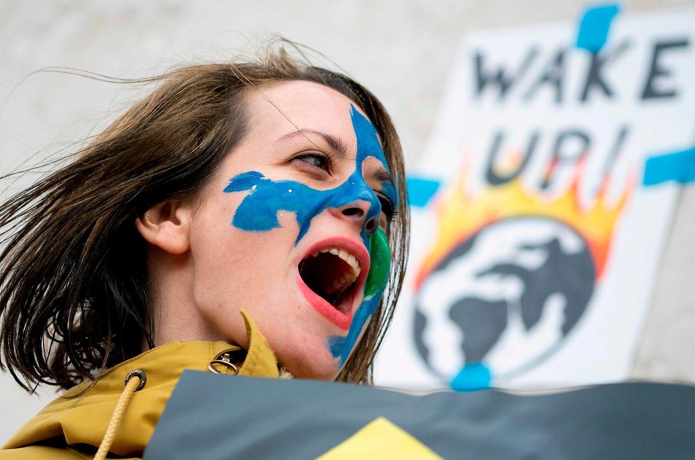 De Viena a Lisboa, de Paris a Nova Iorque, um pouco por todo o mundo houve manifestações estudantis em defesa do clima esta sexta-feira.