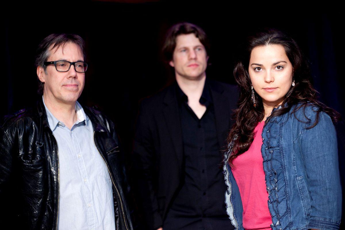 Portugiesische Musik spielt INUK, um unter anderem George Letellier, Marc Demuth und Luísa Vieira (v.l.).