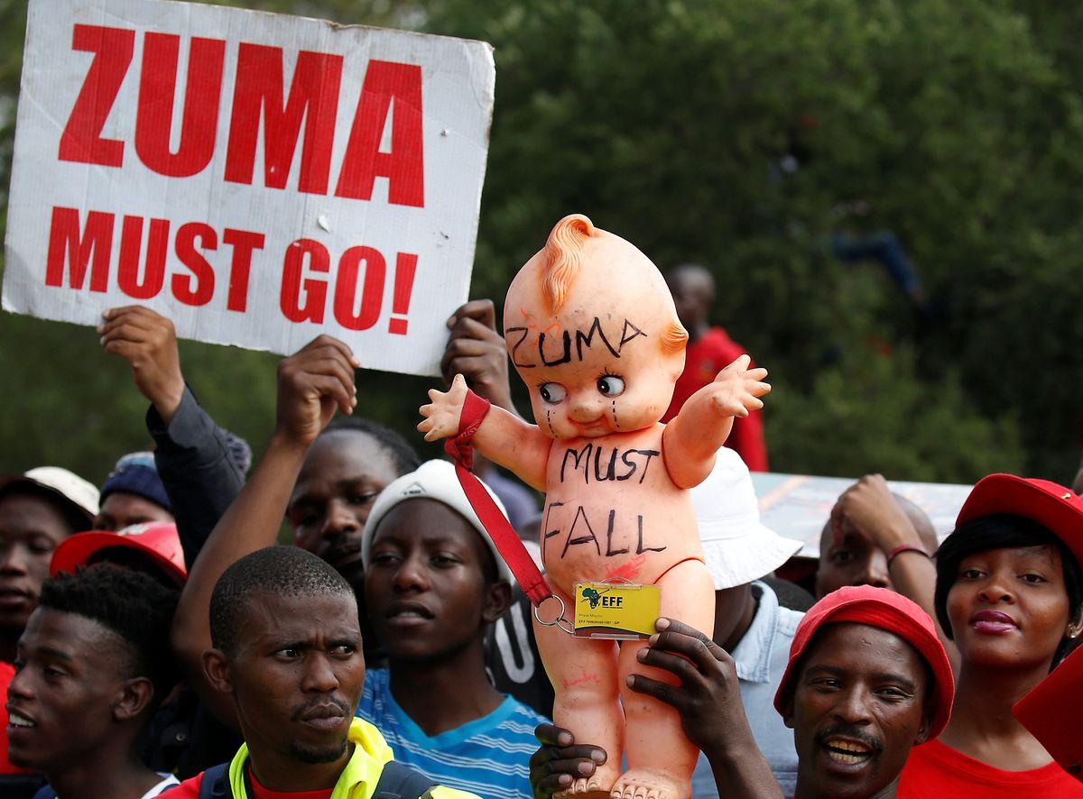 Schon 2016 forderten Demonstranten den Rücktritt von Präsident Jacob Zuma.