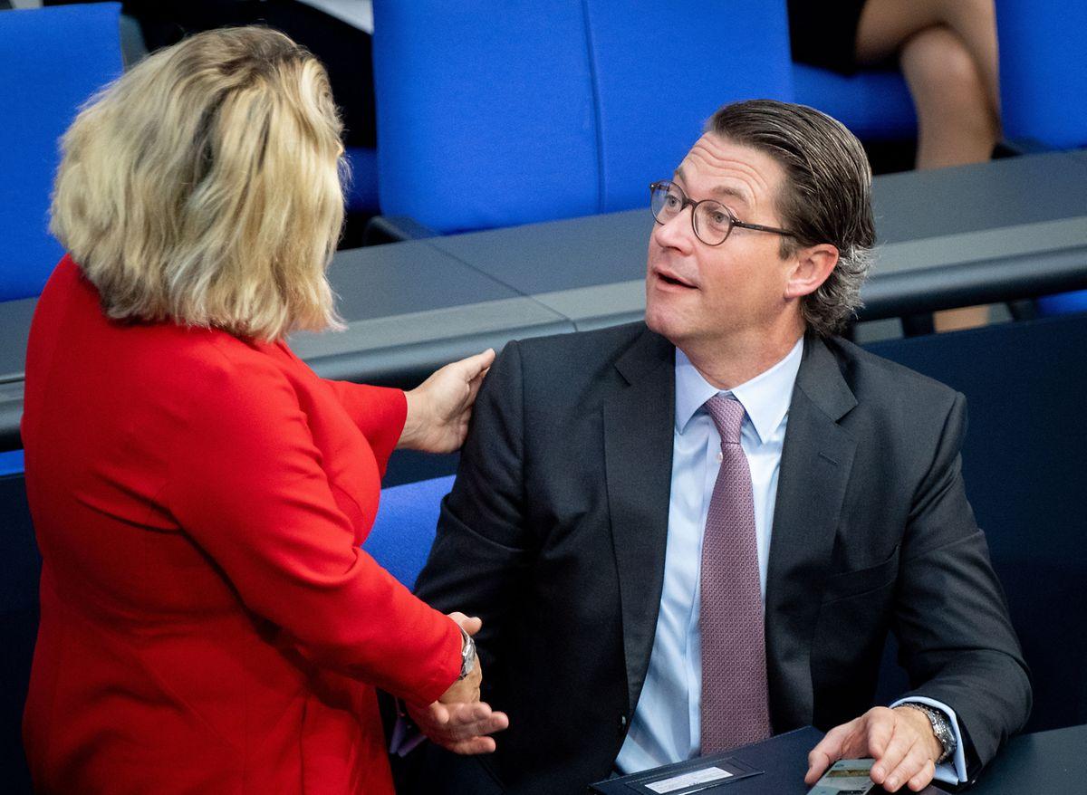 Umweltministerin Svenja Schulze (SPD) und Verkehrsminister: Andreas Scheuer (CSU) sind beim Tempolimit nicht einer Meinung.