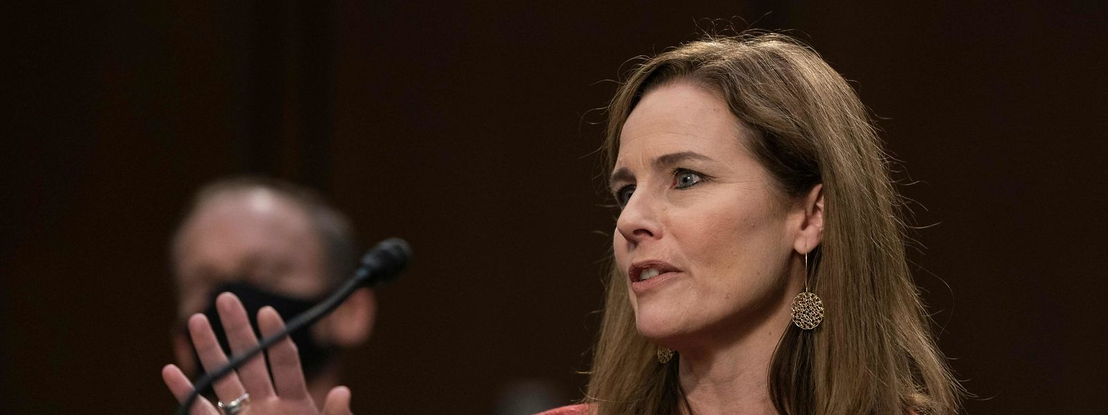 Trumps Kandidatin zum Posten am Obersten US-Gericht, Amy Coney Barrett, wich am zweiten Tag der Anhörungen im US-Senat unter anderem Fragen zu Themen wie Abtreibung und Obamacare aus.