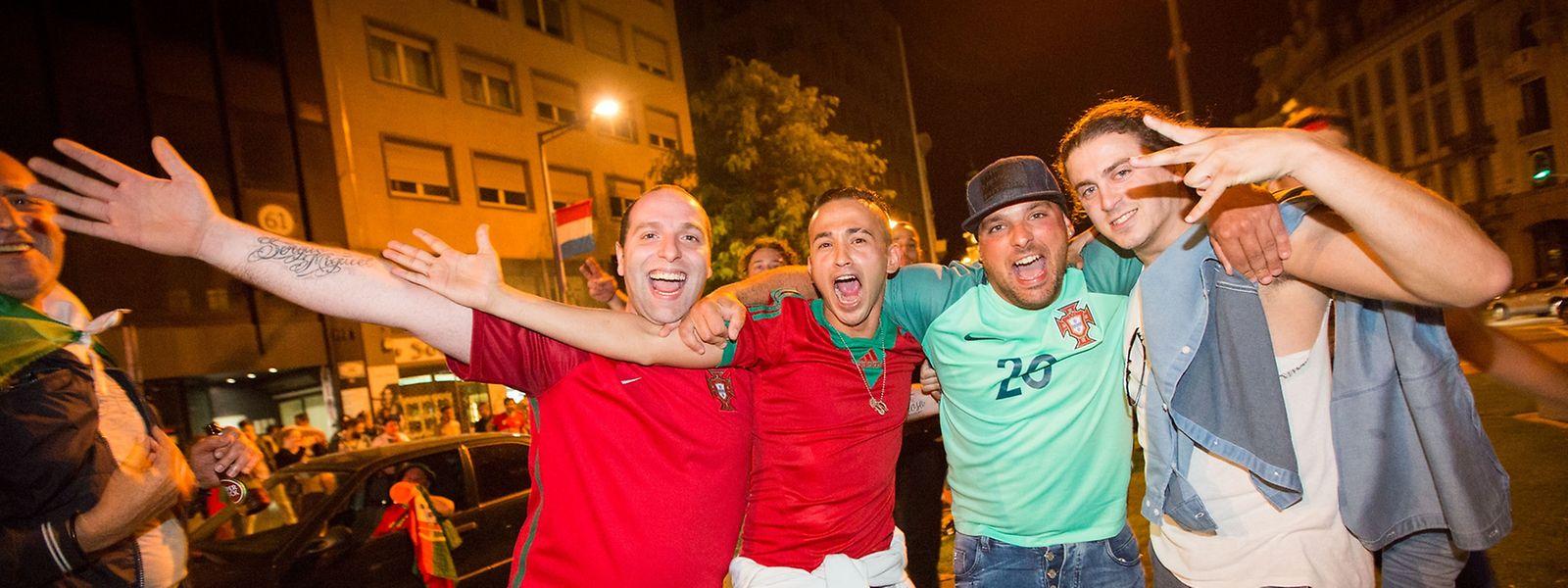 Fans im Glück: Sie konnten am Donnerstag den Sieg Portugals gegen Polen feiern.
