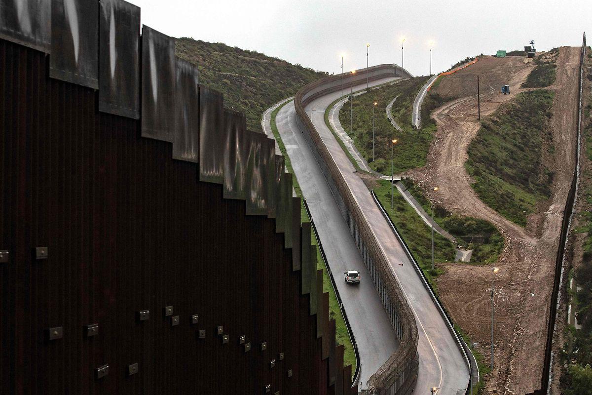 Weite Teile der Grenze zu Mexiko sind schon abgesichert.