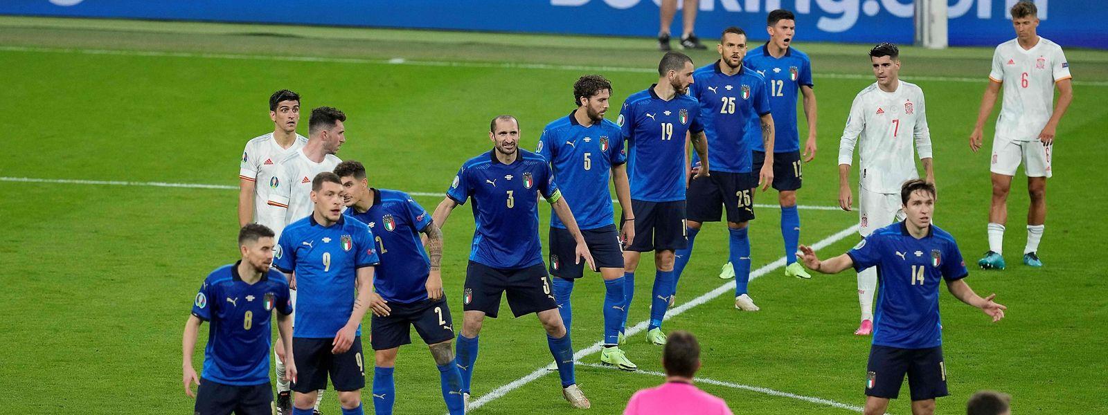 Appliquée, la défense italienne aura subi les attaques espagnoles. Mais en ne rompant qu'à une reprise dans le cours du match.