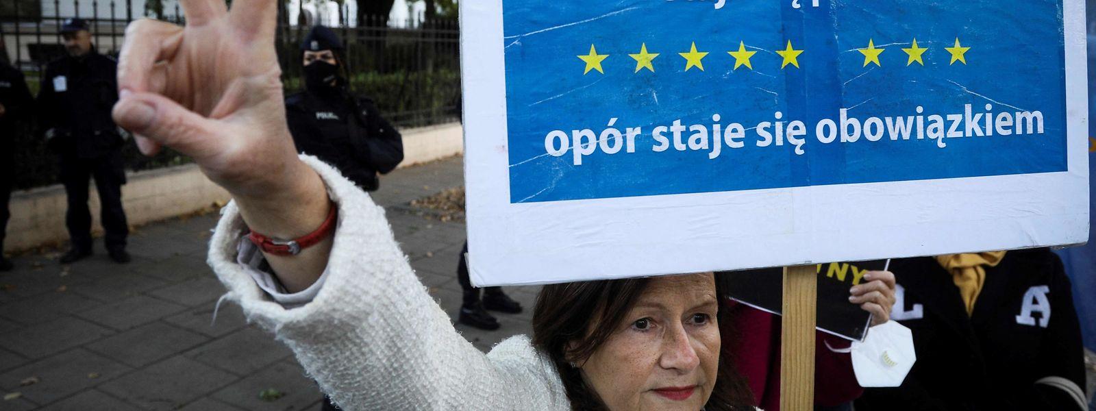 Pro et anti-UE ne cessent de s'opposer aussi en Pologne même.