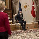 Polémica em Bruxelas por gesto desrespeitoso na Turquia contra Ursula Von der Leyen