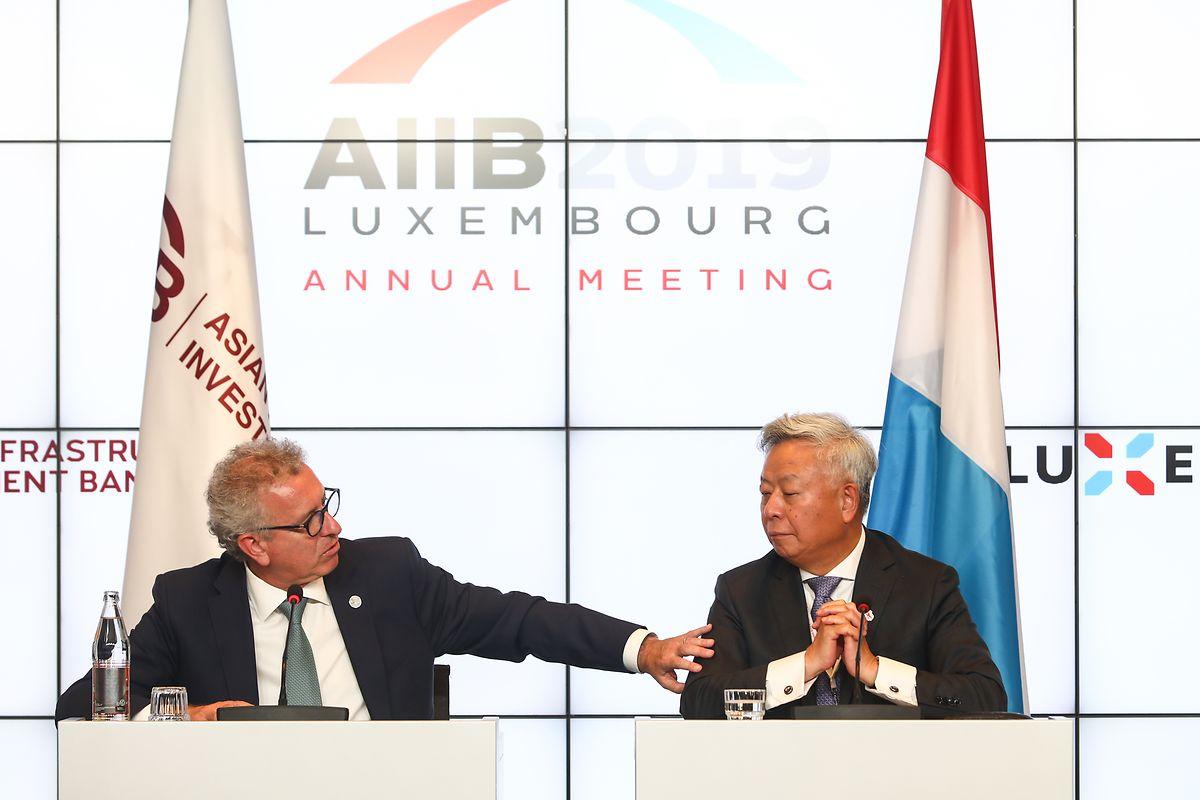 Viel gegenseitiges Lob: AIIB-Präsident Jin Liqun (rechts) und Finanzminister Pierre Gramegna bei der Jahrestagung der Asiatischen Infrastruktur-Investitionsbank in Kirchberg.