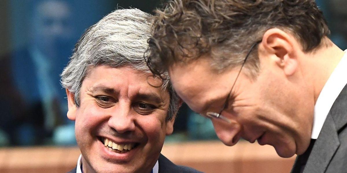 Le ministre portugais des Finances Mario Centeno, à gauche.