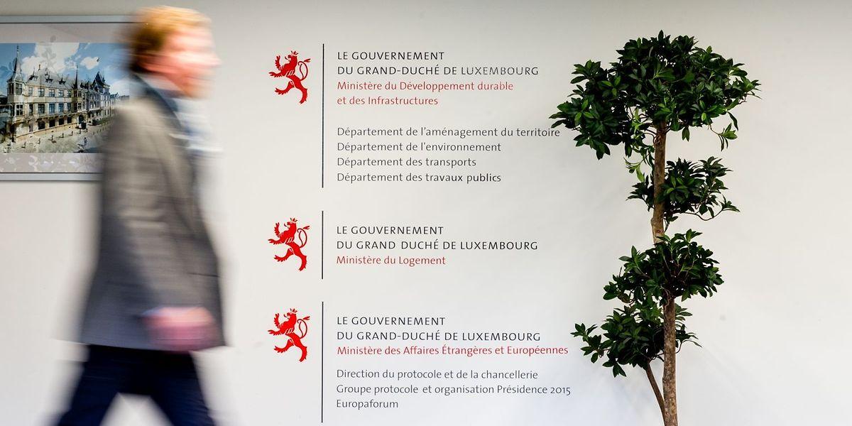 Die Personaldecke des öffentlichen Dienstes wächst nur spärlich – trotz gegenteiliger Ankündigungen der Regierung.